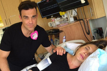 Robbie Williams Annoys Wife By Singing During Labour
