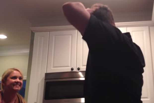 Husband's Priceless Reaction To His Wife's Pregnancy Announcement