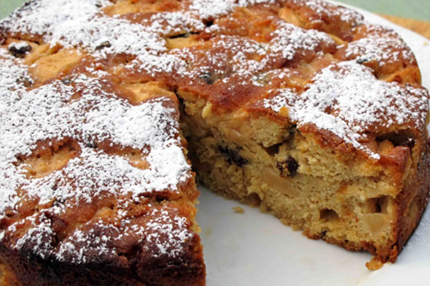 Apple, Raisin and Marmalade Cake
