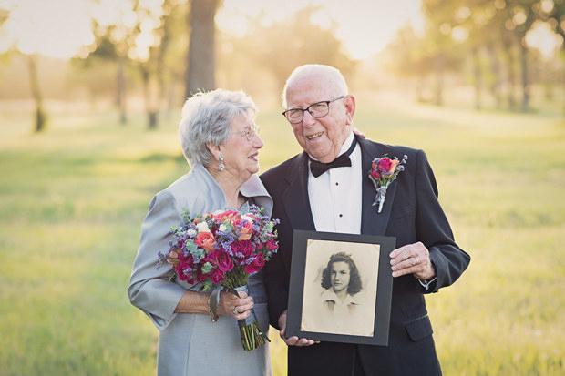 Couple wait 70 years to take their wedding photos