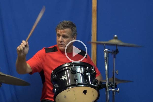 Watch Peter Warren from DD Smash perform exclusively for Breeze listeners