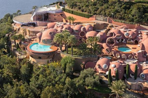 Peek inside fashion designer Pierre Cardin's $500 million home